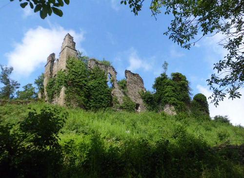 ruderi-castello-ponti